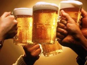 200 mil muertes anuales son a consecuencia del alcohol.