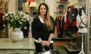 Lucía Cavero Belaunde inició su negocio de ropa junto a su esposo. Pidieron un préstamo y su oficina era un carro. Ahora tienen 24 tiendas y han llegado hasta Dubái.