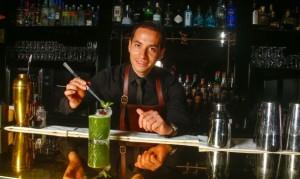 Joel Chirinos, un peruano entre los 50 mejores bartenders del mundo.