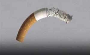 Fumar constantemente podría causar disfunción eréctil.