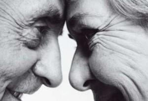 Los hombres cuando envejecen experimentan cambios que aparecen en forma gradual.