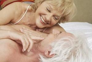 En la tercera edad, el varón va a presentar ciertos factores que contribuyen a disminuir su rendimiento sexual.