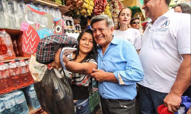 César Acuña comenzó a amasar su fortuna gracias al gobierno del expresidente Alberto Fujimori.