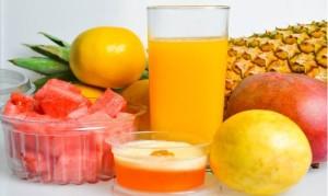Trata de consumir cereales integrales en el desayuno, junto con lácteos descremados y fruta.
