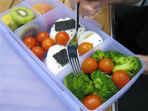 Ningún alimento nos da todos los nutrientes que necesitamos, por eso es importante tener comidas variadas.