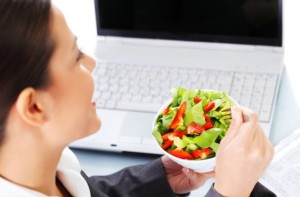 Unos consejos si no puedes evitar comer fuera de casa.