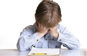 Los padres deben conocer por qué su hijo no está rindiendo en el colegio.