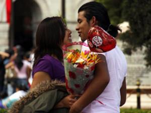 Serias dificultades para rendir académicamente pueden surgir por llevar una intensa vida amorosa.