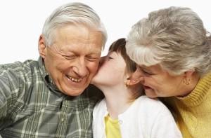 El amor que une a los abuelos con los nietos es profundo.