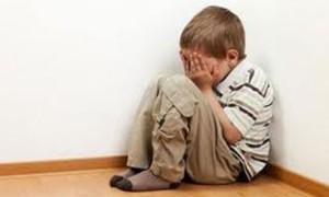Los maltratos pueden dañar la posibilidad de crecer con un buen amor propio.