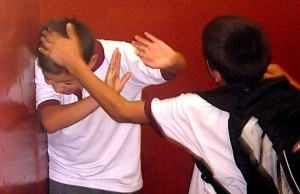 El bullying suele ser el resultado de un líder violento, que congrega a otros chicos.